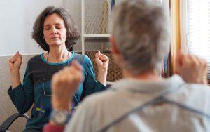 exercice de sophro, le soufflet thoracique